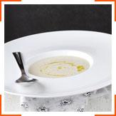 Суп з цвітною капустою, зірою і кокосовим молоком
