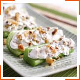 Сельдерей с козьим сыром и греческими орехами