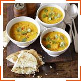 Пряний суп зі сквошем, сочевицею і кокосовим молоком