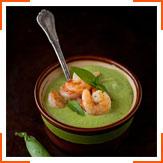 М'ятний крем-суп із зеленим горошком, цукіні і креветками