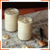 Бананово-молочний смузі з арахісовим маслом