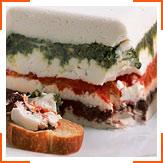 Козий сыр с песто, оливками и болгарским перцем