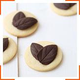 Печенье с шоколадными листьями