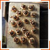 Тартинки с луком и анчоусами