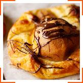 Датские булочки с грушами и шоколадом