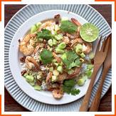 Салат с креветками, лаймом, кинзой и кокосовыми сливками