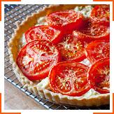 Пиріг з помідорами і козячим сиром
