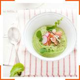 Суп з авокадо, яблуками і лососем