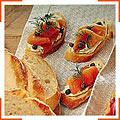 Бутерброди з копченим лососем та каперсами