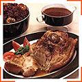 Жаркое из свинины с каштанами и капустой