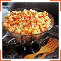 Креветки и ротини в ананасном соусе