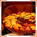 Крюшон из сладкого красного вина и апельсинов