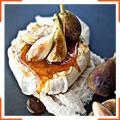 Мягкий сыр на гриле с тимьяном, медом и свежим инжиром