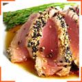 Стейк из тунца с кунжутом