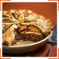 Мясной пирог с яблоками, чеддером и шалфеем