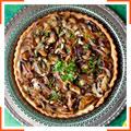 Пиріг з грибами, цибулею і горгонзолою