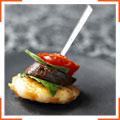 Кебаб с креветками, чоризо и помидорами