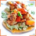 Тостадас с гуакамоле и креветками
