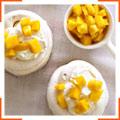 Кокосові меренги з манго