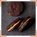 Шоколадное печенье с арахисово-сливочной начинкой