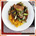 Стейк из тунца с соевым соусом и картофельно-имбирное пюре
