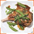 Свинина с горошком под бурбонно-мятным соусом