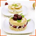Миндальные пирожные с рикоттой, грушей и вишней