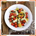 Салат с черникой, помидорами и фенхелем
