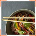 Холодная лапша с кунжутом и овощами