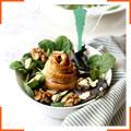 Салат с грушей, голубым сыром и греческими орехами
