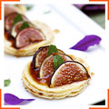 Ореховые блины с запеченным инжиром и Марсалой