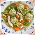 Куриный суп с мацовыми клецками