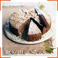 Яблучний пиріг з какао і корицею