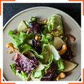 Салат с имбирной заправкой и мисо