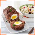 М'ясний рулет з яєчною начинкою і салат з капусти