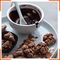 Грецкие орехи в кленовом сиропе, шоколаде и какао