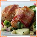 Пряная индейка, запеченная в беконе, и кукурузно-яблочный салат