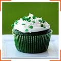 Зелені кекси з ніжною глазур'ю з вершкового крем-сиру