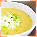 Суп з картоплею, капустою і цибулею-пір