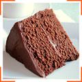 Шоколадний торт з глазур'ю з темного шоколаду