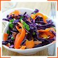 Салат з червонокачанною капустою і морквою