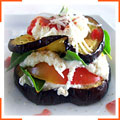 Баклажаны-гриль с помидорами и базиликом